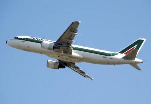Alitalia_a320-200_i-bikb_arp