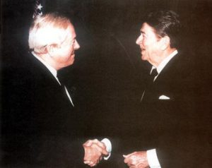 Jean-Marie Le Pen e Ronald Reagan