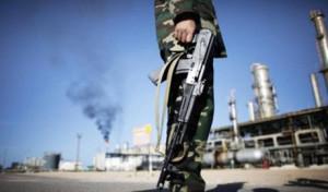 Sempre più caotica la situazione in Libia. A farne le spese anche e soprattutto l'Eni