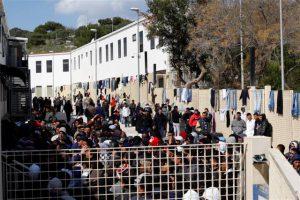 immigrati-centro-accoglienza-lampedusa