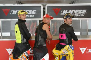 2002-1-wave-rossi-bayliss-biaggi-con-paraschiena-wave
