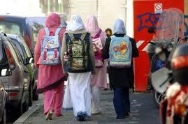 ragazze-a-scuola
