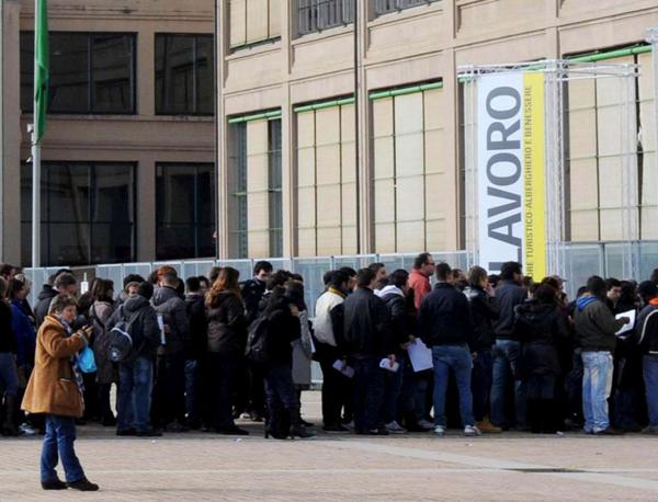 disoccupazione coda