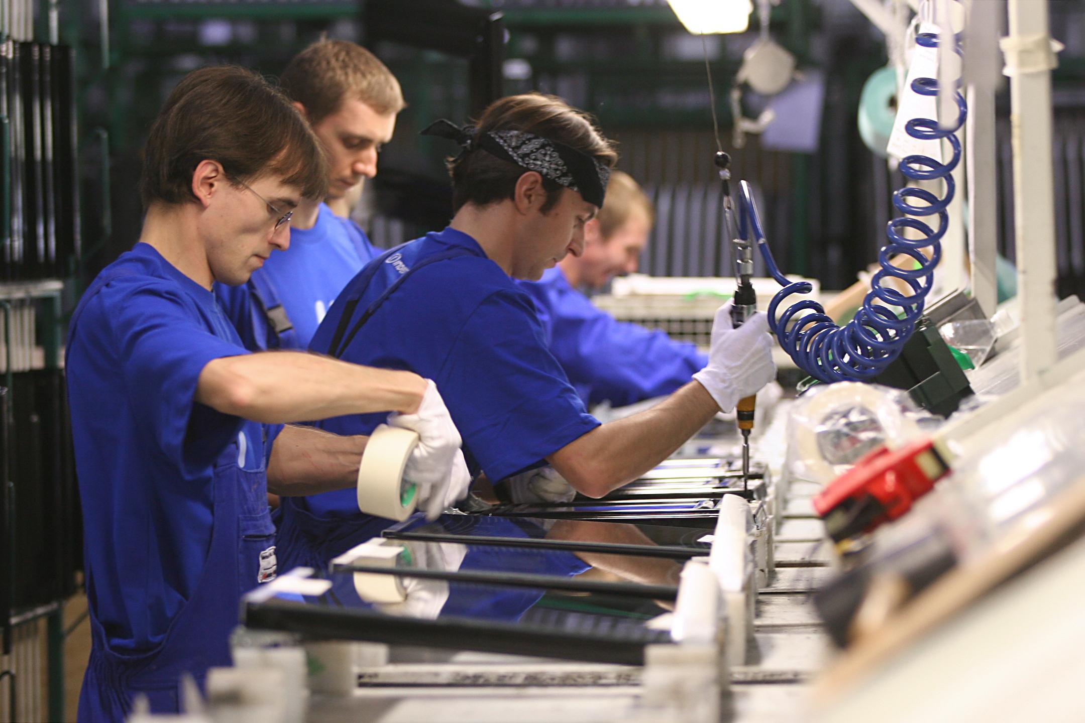 Lavoro disoccupazione in calo ma solo grazie ai contratti a termine