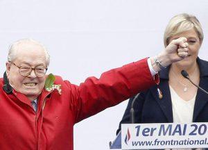 """++ Le Pen ripudia Marine,""""mi vergogno che porti mio nome"""" ++"""