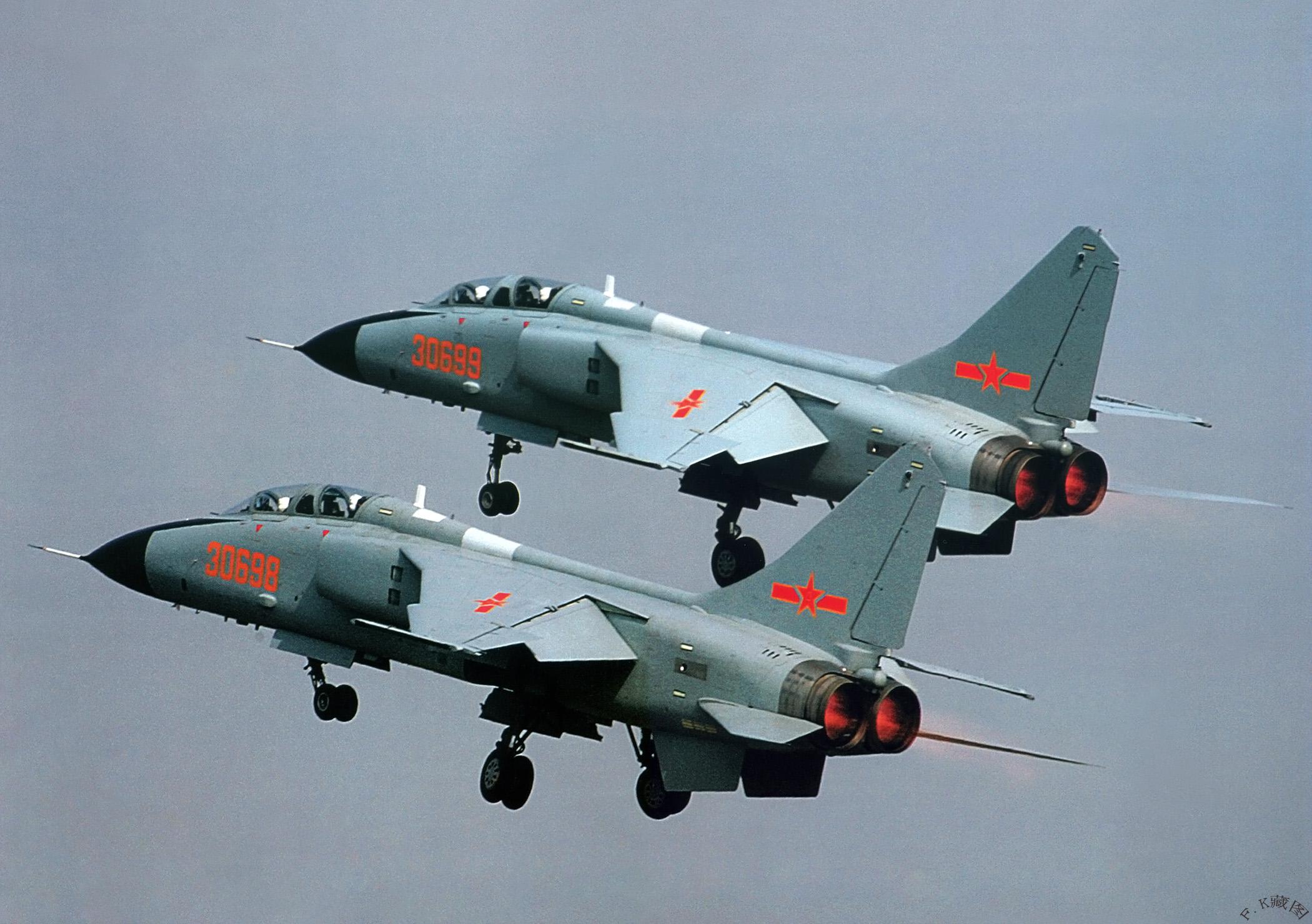 Aereo Da Combattimento Cinese : Aereo spia americano intercettato da caccia cinese