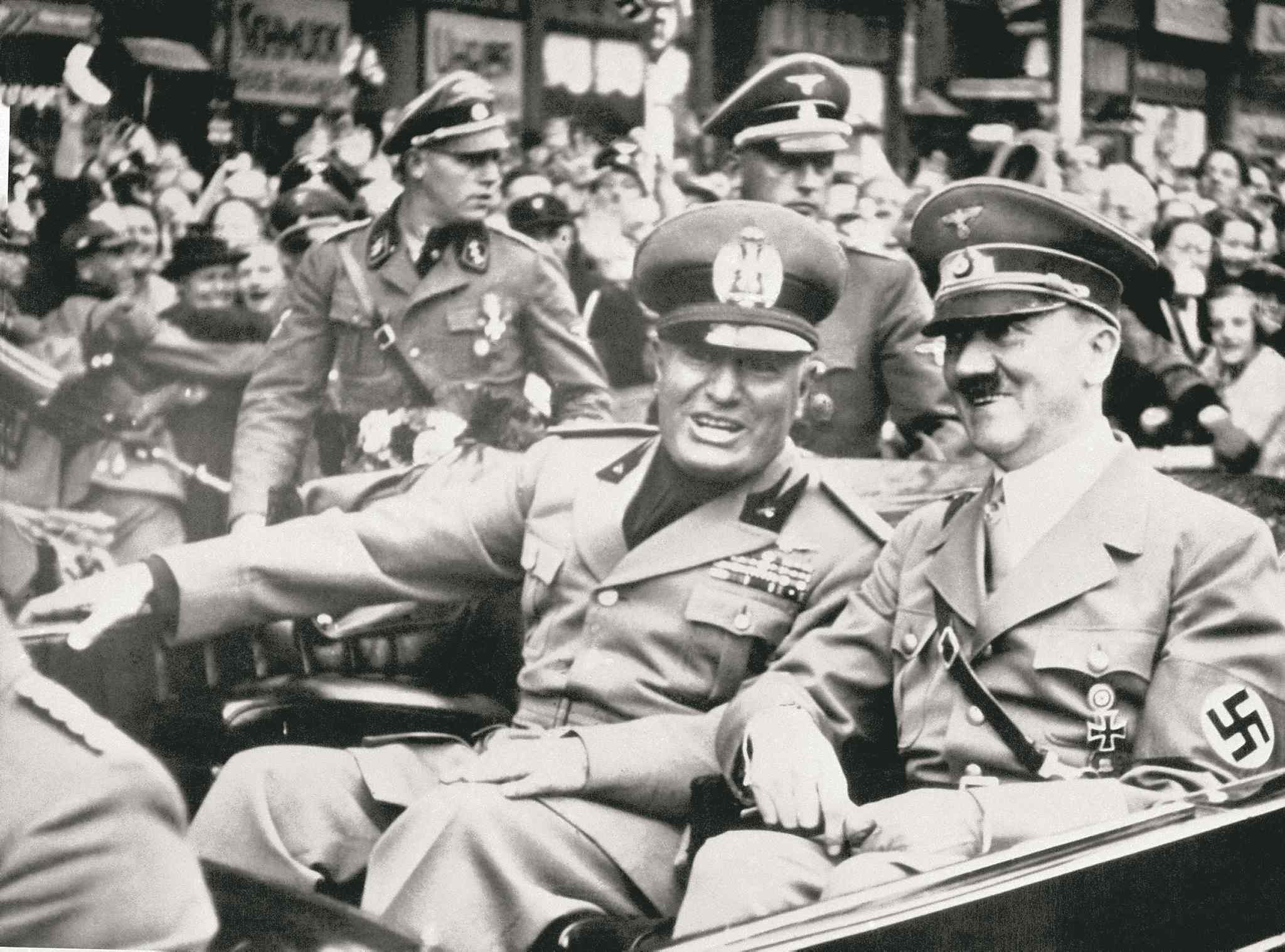 italian and german fascism comparison essay In this essay i will mainly be focusing my attention on nazi germany in comparison to fascist italy to determine the answer to the question to what extent was nazism a german variant of a generic fascism.