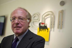 L'amministratore delegato dell'Eni, Paolo Scaroni, all'assemblea straordinaria degli azionisti a Roma, 16 luglio 2012. ANSA/MASSIMO PERCOSSI