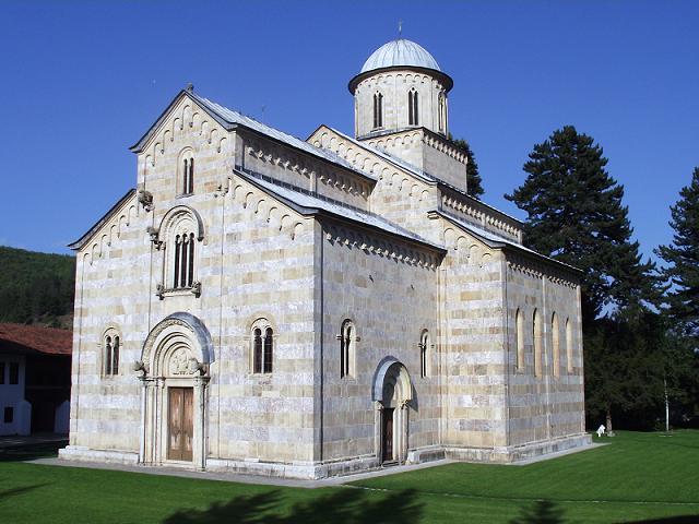 Kosovo: Militari italiani sventano attentato islamista al monastero di Decani | Il Primato Nazionale