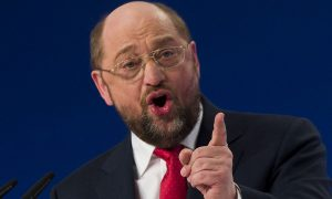 Martin Schulz, top-candidate of the Social Democratic Party (SPD) in this year's European Parliament elections, delivers a speech outlining the program of his campaign to become the next President of the European Commission, during a SPD extraordinary congress in Berlin January 26, 2014. REUTERS/Thomas Peter (GERMANY - Tags: POLITICS)