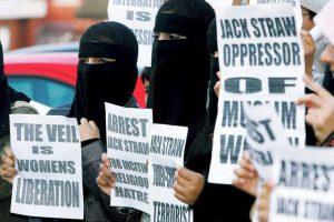 BRITAIN-POLITICS-ISLAM-WOMAN-STRAW+-muslim_tittel1