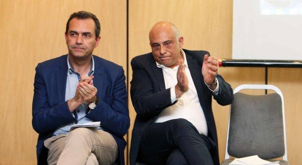 CRO 29 aprile 2016 Hotel Oriente, presentazione dei candidati per le comunali che appoggeranno il sindaco De Magistris, in foto con l'imprenditore e massone Enzo Peluso. Newfotosud