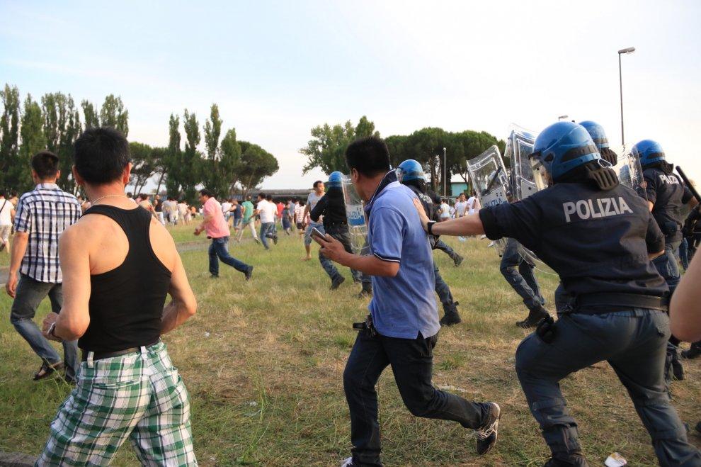 scontri cinesi polizia