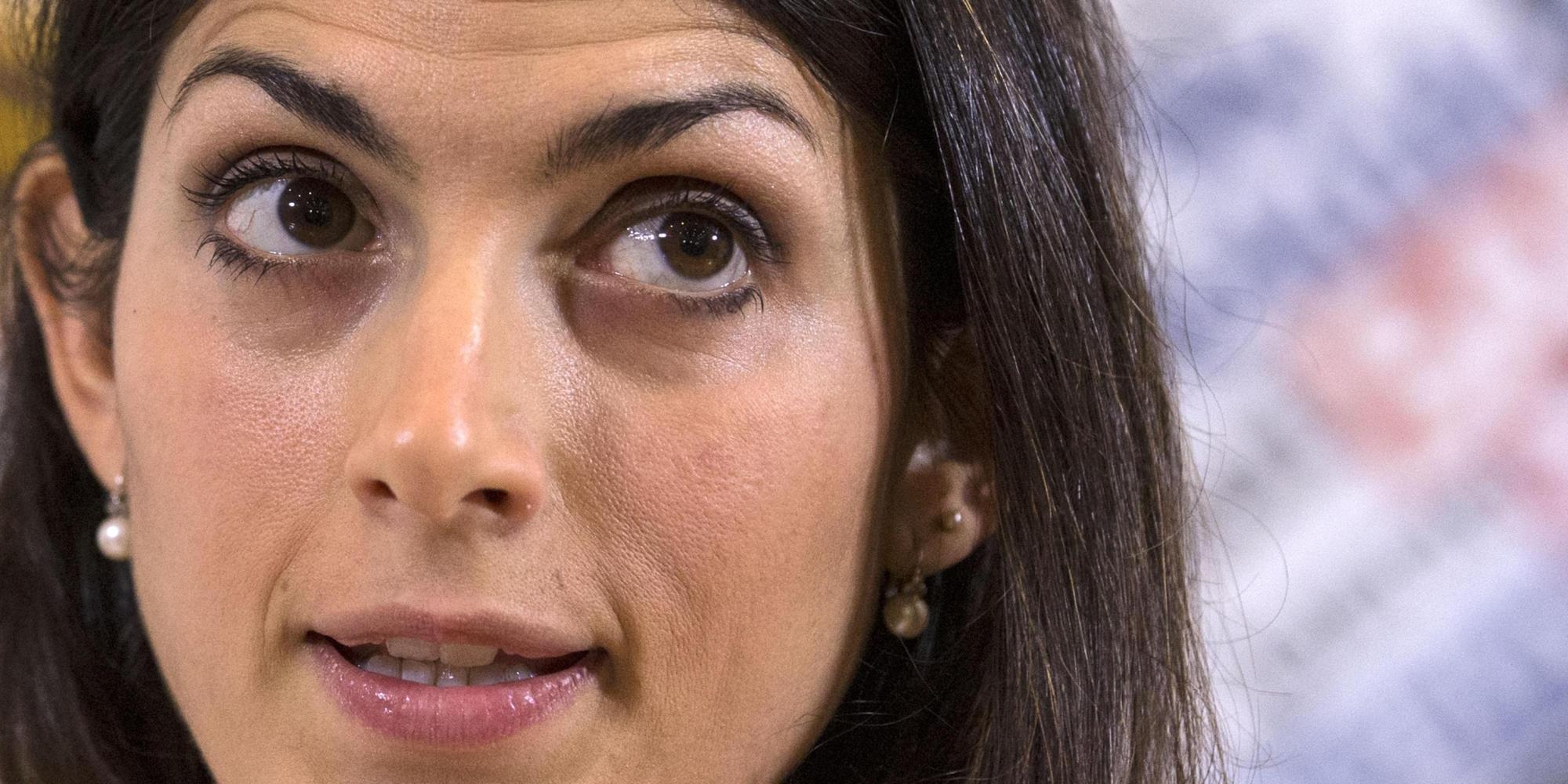 La candidata M5s a sindaco di Roma Virginia Raggi durante la conferenza stampa nella sede dell'Associazione Stampa Estera, Roma, 25 febbraio 2016.  ANSA/ MASSIMO PERCOSSI