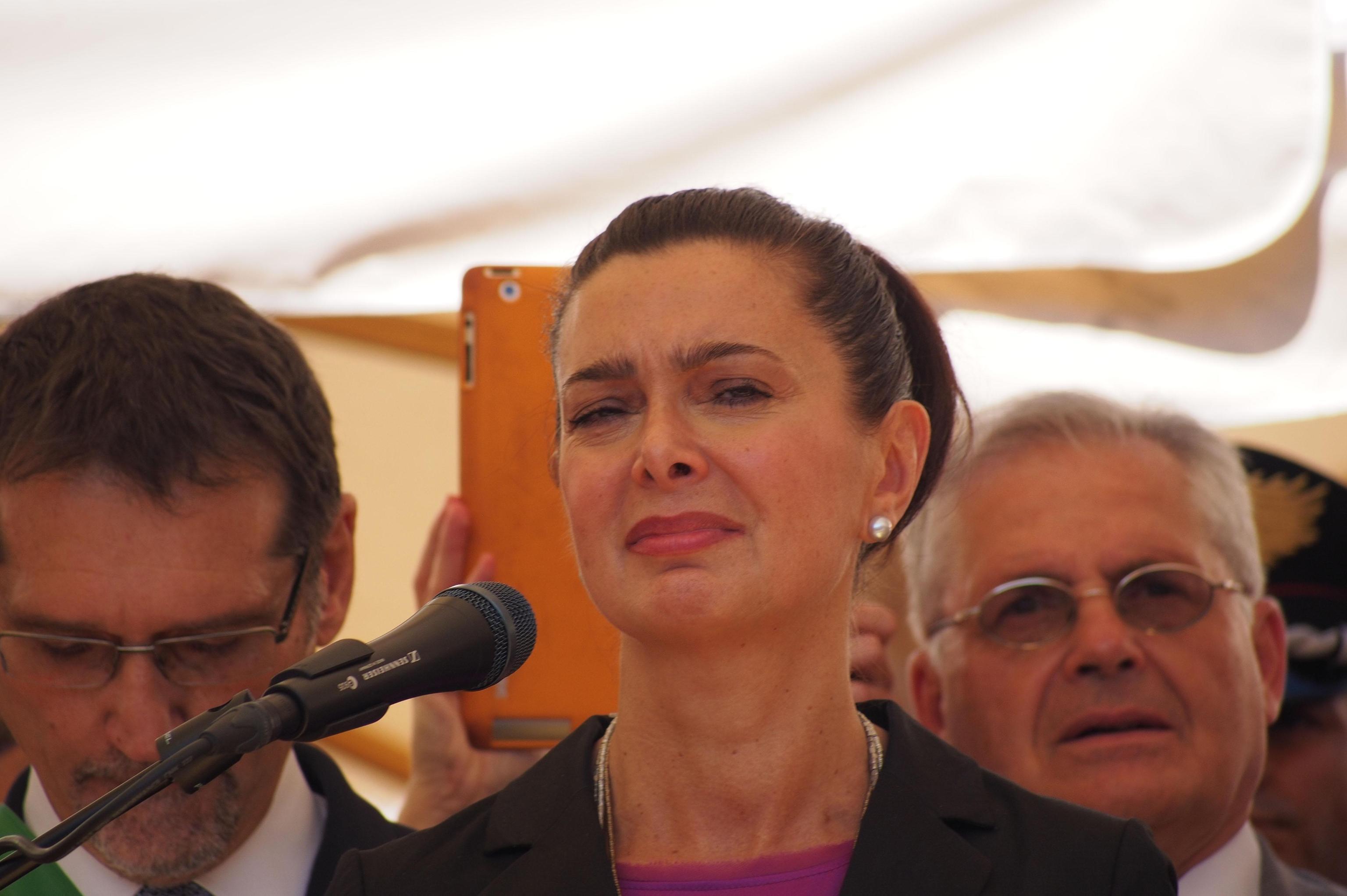 Colletta dei colleghi per il poliziotto sospeso per gli insulti alla Boldrini