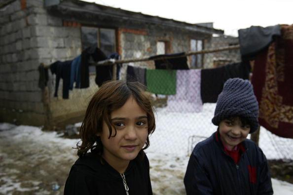 Matrimonio Zingari : Quot nei campi rom matrimoni con spose bambine e gli