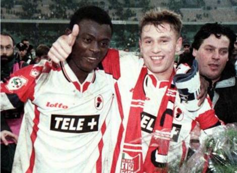 Enyinnaya ed Antonio Cassano, al termine della sfida Bari-Inter