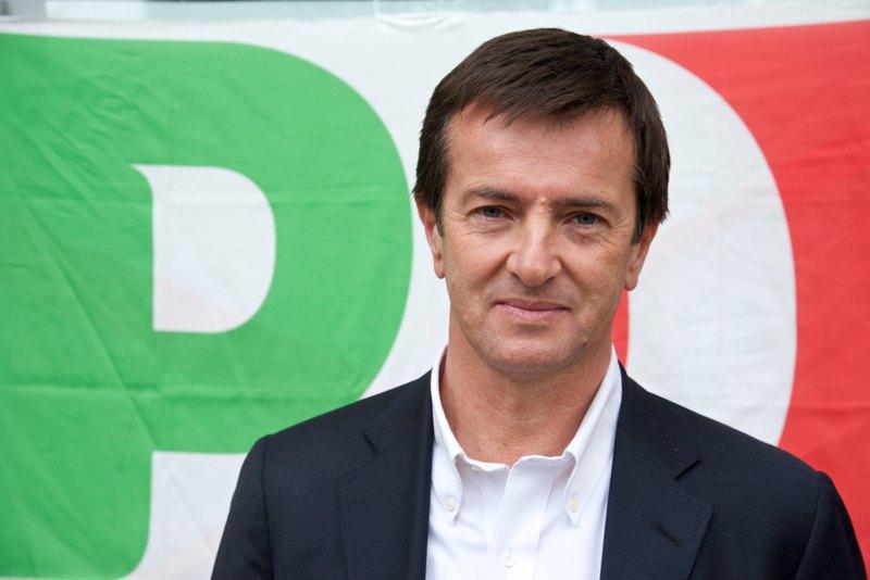 """Follia Gori (Pd): """"Mettiamo gli immigrati a guardia dei parchi per bimbi"""",  sindaco di Bergamo, migranti economici, invasione"""