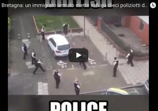 poliziotti inglesi africano coltello
