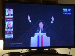 Macron massone festa louvre