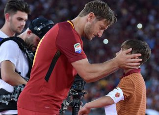 Totti Roma addio al calcio identità bandiera