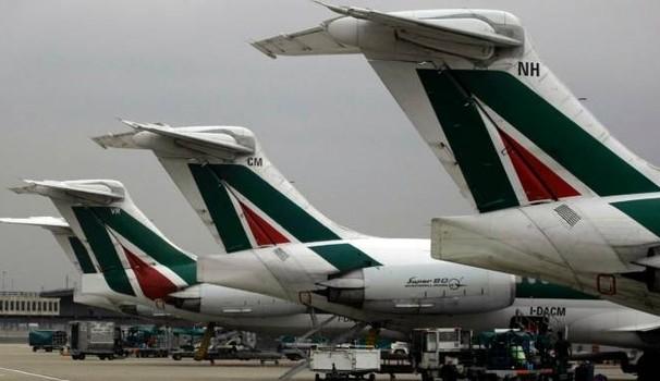 Svolta Alitalia, il Governo la vuole italiana ma con capitali stranieri