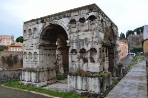 Arco di Giano Fendi Costantino restauro