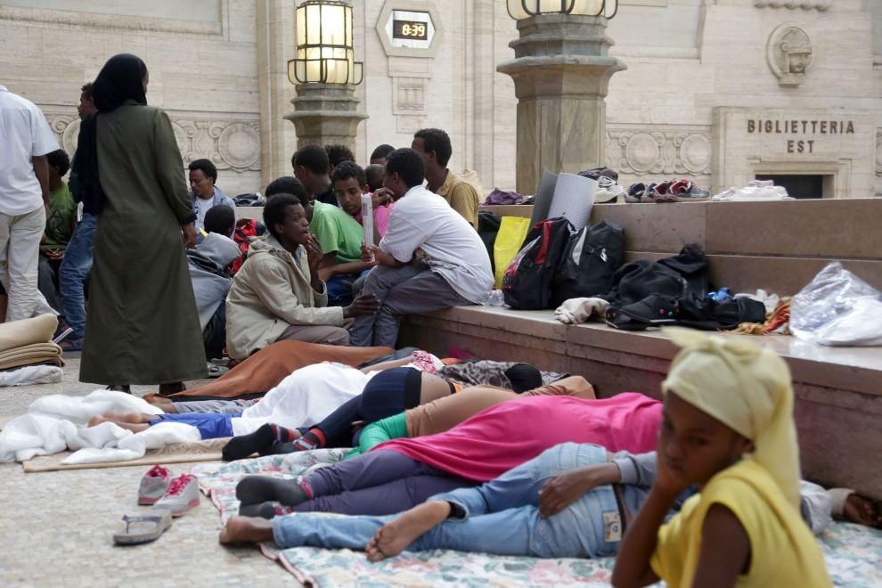 Stazione Centrale Milano Immigrati