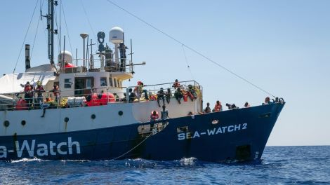 Migranti, nave di Medici senza frontiere non arriva a Lampedusa