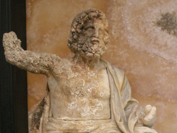 statuetta di Zeus, Giove Invitto