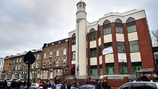Moschea Finsubry Park attacco terroristi