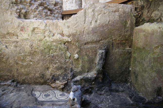 ... luce piccola Pompei: scoperta una straordinaria casa romana di legno