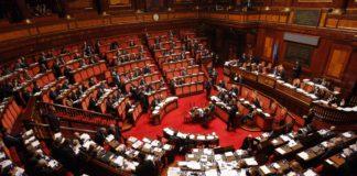parlamento covid chiudere