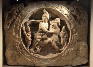 londra tempio mitra 1