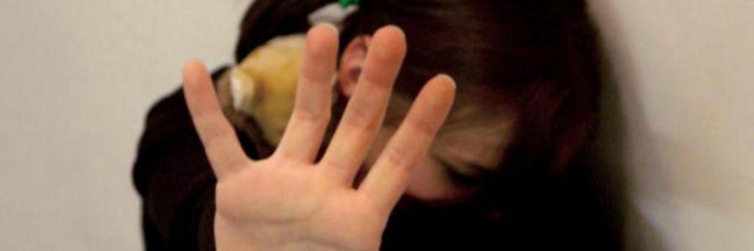 ragazza romana 16 anni accoltella stupratore bengalese