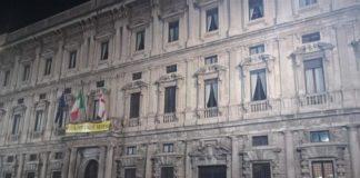 CasaPound striscioni contro Sala dimettiti