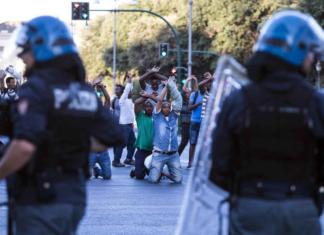 scontri immigrati sgombero piazza indipendenza