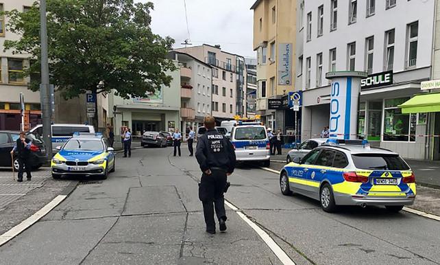 Germania, attacco con un coltello: almeno un morto