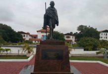 ghana statua gandhi