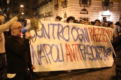 Serata di tensione a piazza Principe Umberto: centri sociali contro Casa Pound