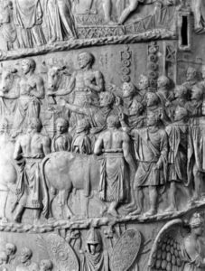 fiano saluto romano colonna traiana