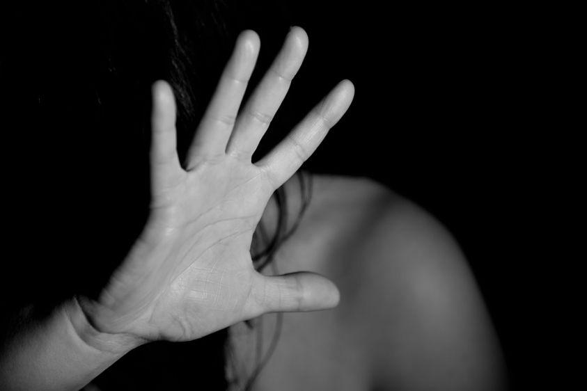Roma, donna trovata nuda e con le mani legate a Villa Borghese