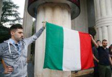bolzano tricolore monumento vittoria