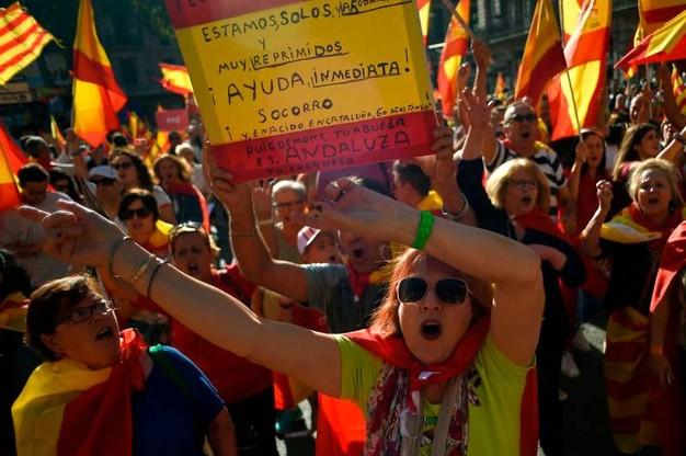 Catalogna: Parlament di Barcellona vota sì all'indipendenza