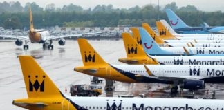 bancarotta monarch airlines