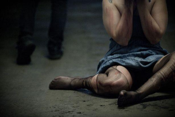 marocchino stupra e picchia moglie incinta