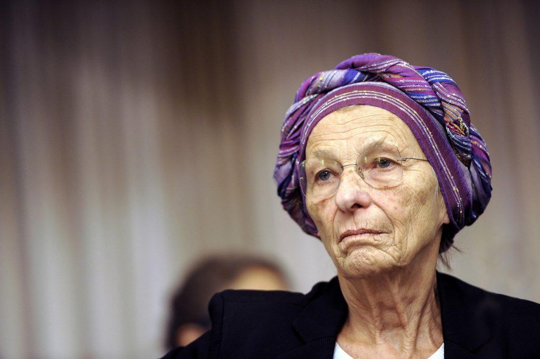 Emma Bonino: fare più figli serve ma ci sono anche quelli dei migranti.