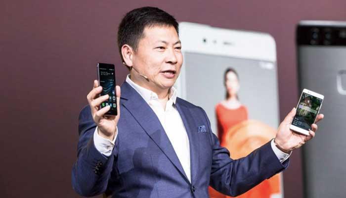 L'intelligence USA si schiera contro l'uso di smartphone Huawei e ZTE