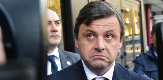 Carlo Calenda Pd Renzi 5 Stelle pariolino popolo