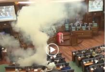 kosovo parlamento gas lacrimogeni